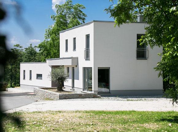 Montažna hiša Črniče
